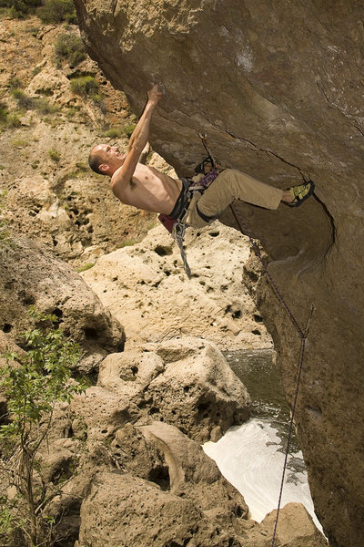 Captain Fastrousers (incorrectly) moving through the crux.