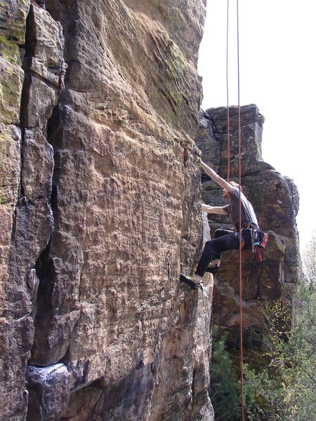 Rock Climbing Photo: Rhoads sticking the lower crux.