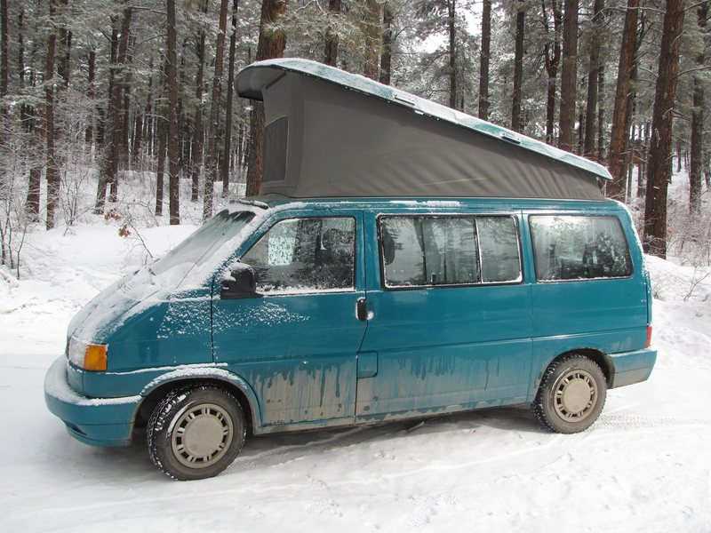 The van's paint is immaculate, these pics do not do it justice, just dirty from snowy roads.