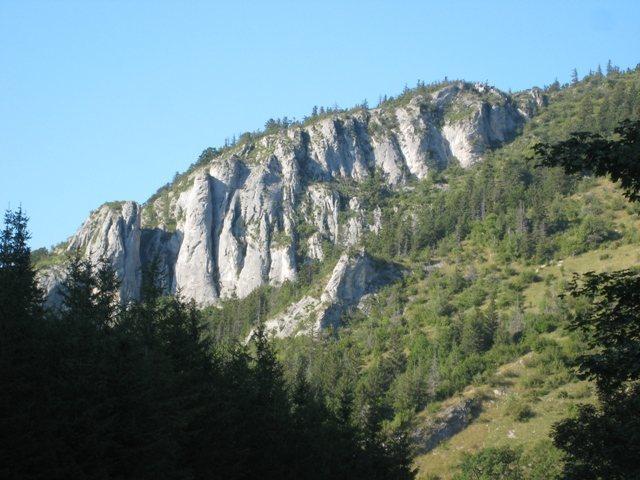 Lans-en-Vercors crag at Furon