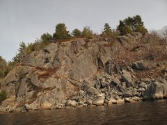 Rock Climbing Photo: Bluff Head  Single Pitch potential on the left  Ni...