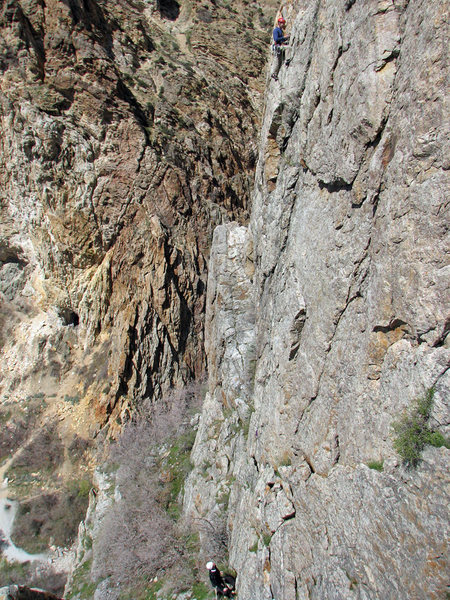 Rock Climbing Photo: Perin Blanchard midway on Edge of Knight.  Photo b...