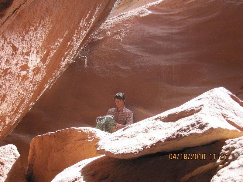 Rock Climbing Photo: The chock stone rest.