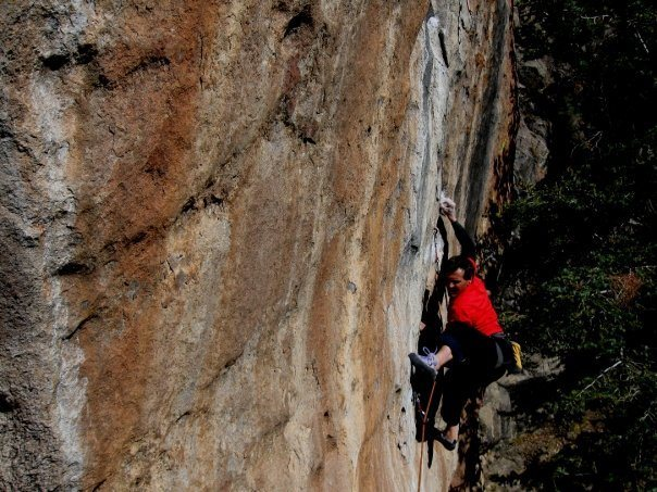 Rock Climbing Photo: A bad angle of Colin Cox on Holy Roller.  This sec...
