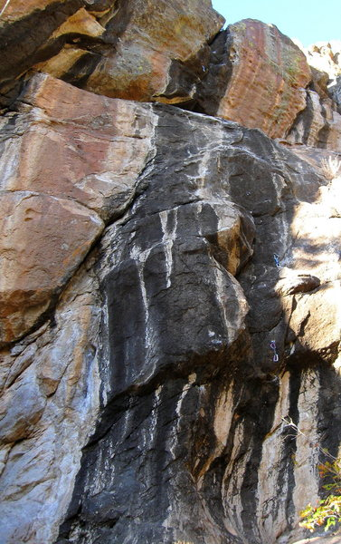 Rock Climbing Photo: Whiplash takes the large black streak with draws h...