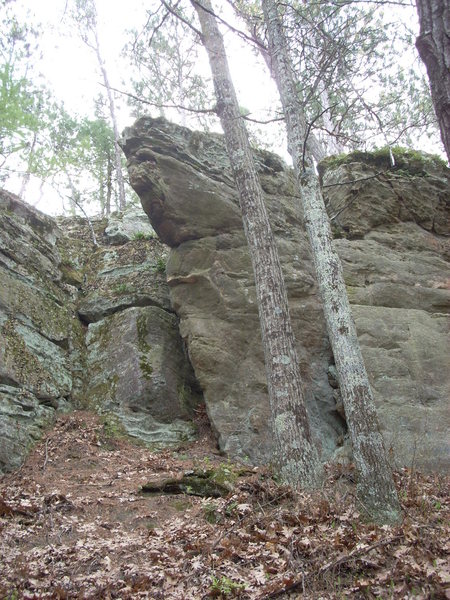 Bouldering potential on the very north side of the rock. Around the corner from Anthrax Wall.