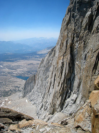 Looking down to the SW Face from the Conness descent