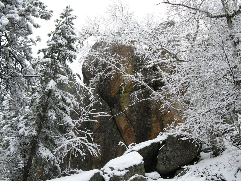Granite boulders on top of Spearfish Canyon