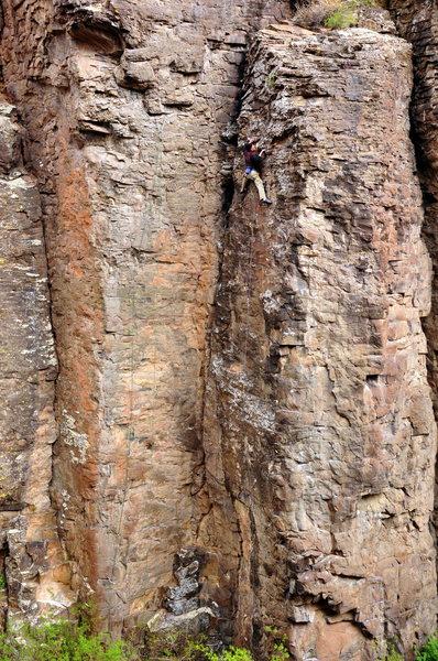 Rock Climbing Photo: Tan pants and a black shirt equals Grotto Cammo.  ...