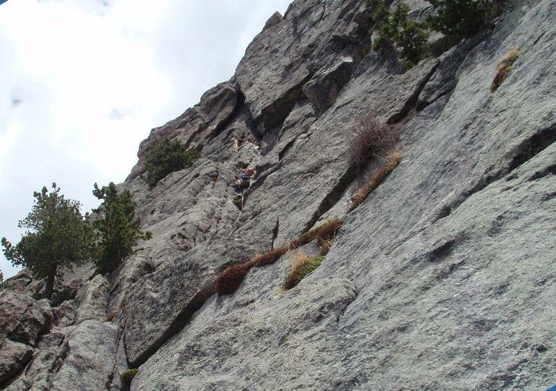 Rock Climbing Photo: Climbing up to the belay below the roof.