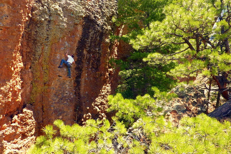 Rock Climbing Photo: Lee successfully not busting his balls on his flas...