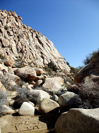 Rock Climbing Photo: approaching Lost Horse