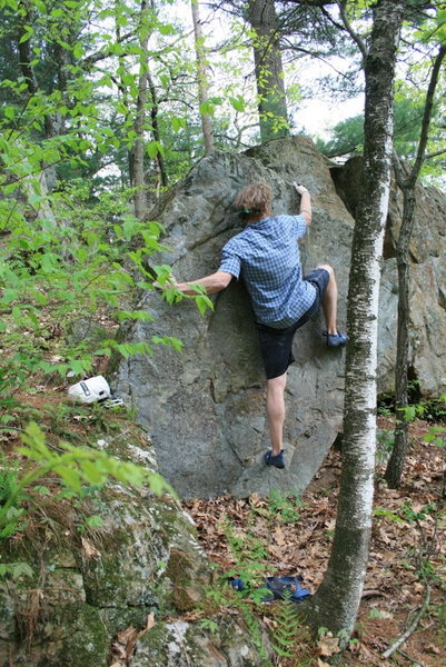 Rock Climbing Photo: Moving right along the face towards the right aret...