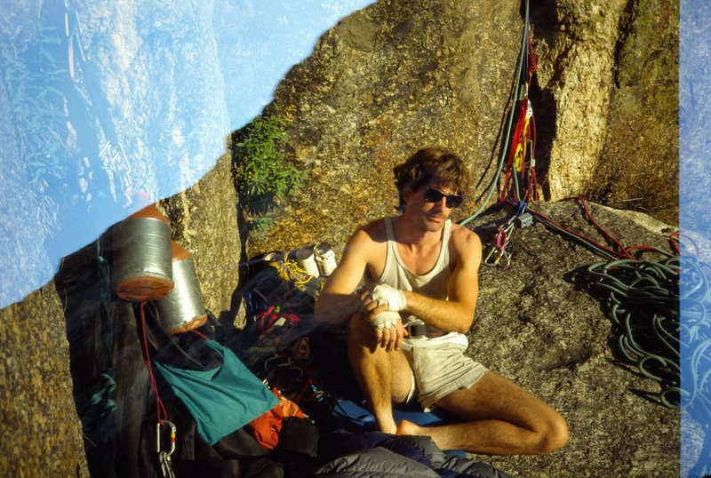 Rock Climbing Photo: Frosty chillin' at the Two Boulder Bivy.  9/88.
