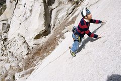 Rock Climbing Photo: smurf-jong slaying it!