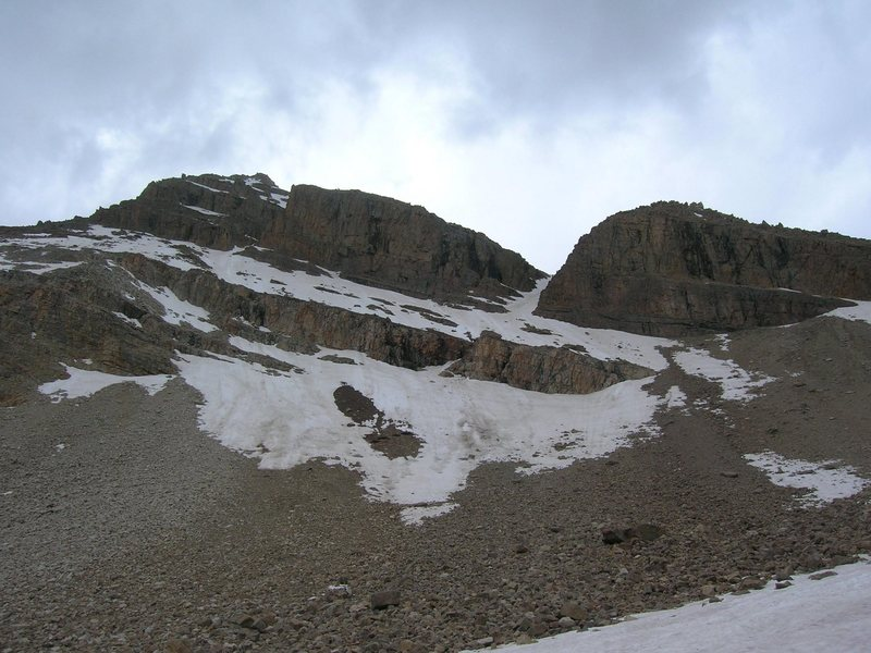 Rock Climbing Photo: This photo shows the couloir and the N. Ridge