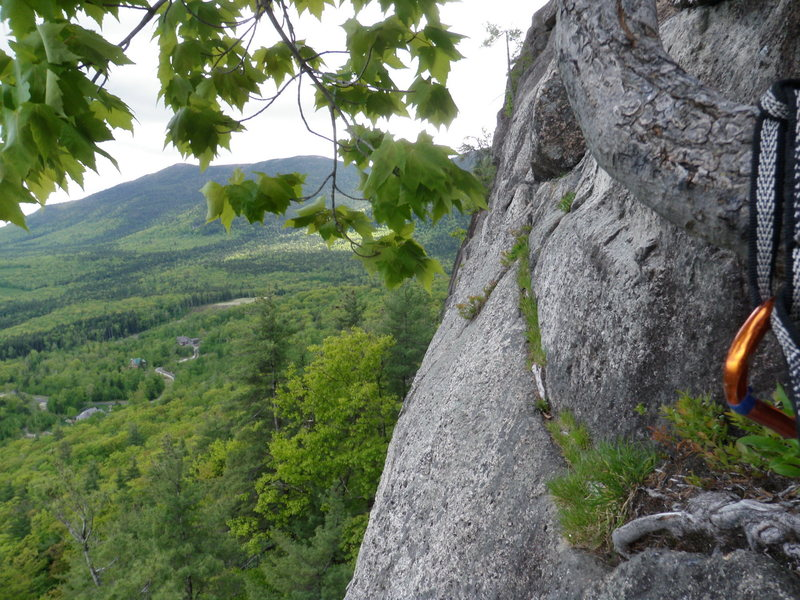 Rock Climbing Photo: Looking climbers left along the traverse that star...