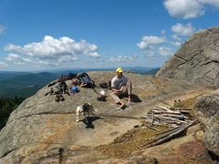 Rock Climbing Photo: Jason relaxes along with wundermutt Aslan on the S...