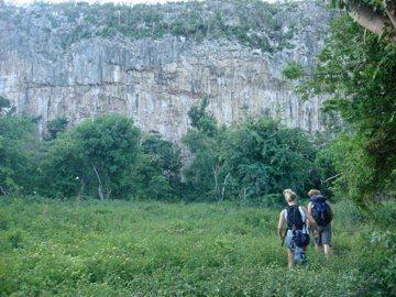 Rock Climbing Photo: Approach to Dixon's Wall