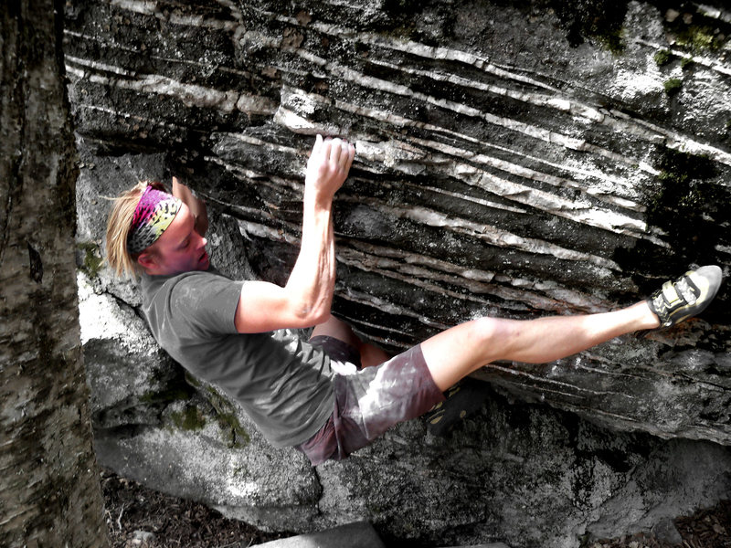 Travis crushing the FA of Crucifixion (V-6) at the Listening Rock Trail, GHSP VA.