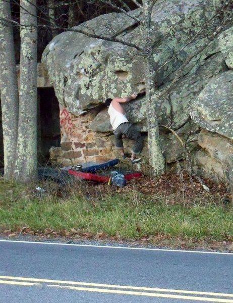 """Steve Lovelace on """"Roadside"""" (V-2) at the roadside boulder, bluefield boulders.<br>"""