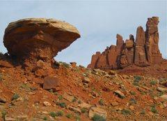 Rock Climbing Photo: Mushroom boulder is a good landmark for the trail ...