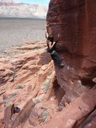 Rock Climbing Photo: Mike with the long reach on Oxosis.