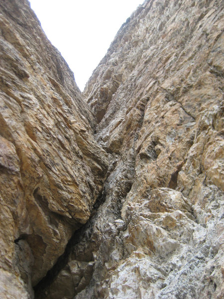 A crappy picture of the corner crack, taken from the belay point halfway up the pitch.