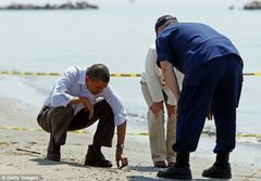 Rock Climbing Photo: That's sand President Obama.  Not the same sand yo...