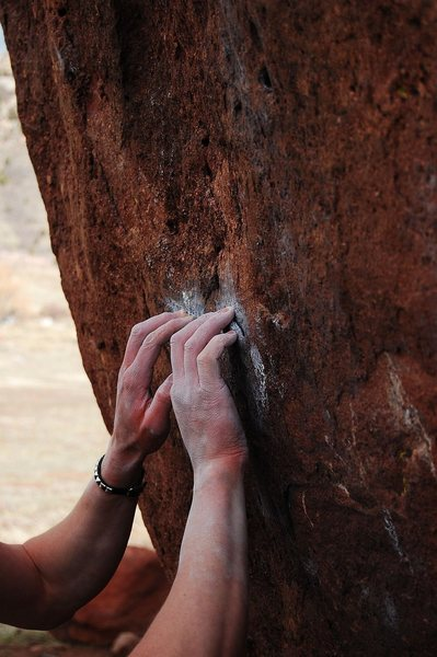 Rock Climbing Photo: The starting crimps on Ghost Dance, V7.