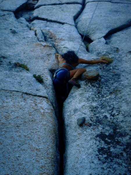 crack climbin :)