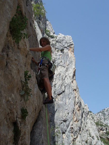 Rock Climbing Photo: The wife on the sharp end, with Debeli Kuk looming...