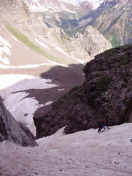 Rock Climbing Photo: Climbing one of the couloirs from the cirque to ob...