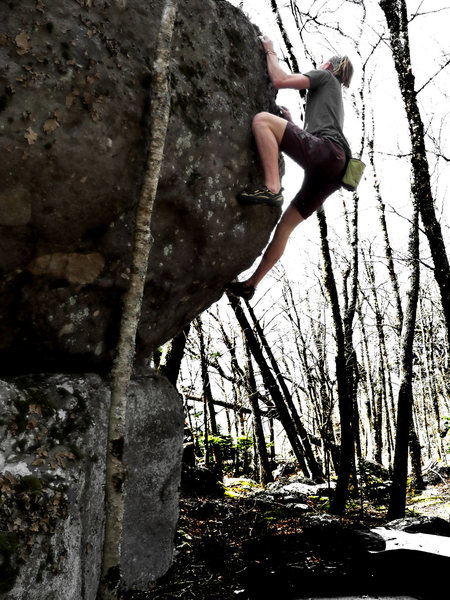 """Travis Melin on """"The Hive"""" (v3) on the Hive Boulder, on the Listening Rock Trail (LRT), in GHSP, Va"""