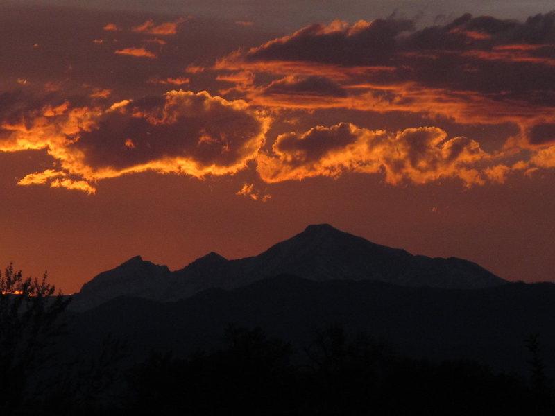 Front Range sunset.<br> <br> Photo: Tim Hudgel.
