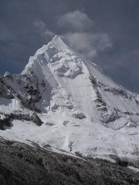 Rock Climbing Photo: Artesonraju