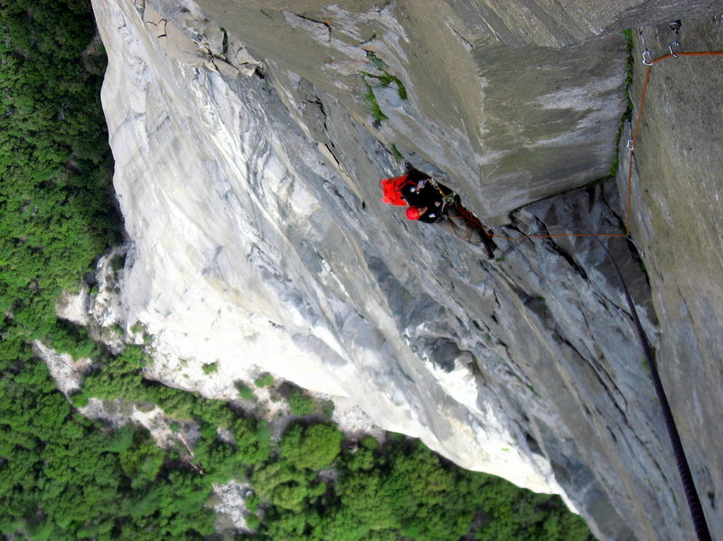 Rock Climbing Photo: View from the shelter of the Great Roof.  Adam Sin...