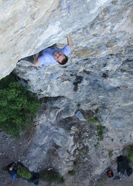 Rock Climbing Photo: Brian Raymon on Heavy Handed, 13a.