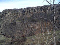 Rock Climbing Photo: Tieton Wall from the Road