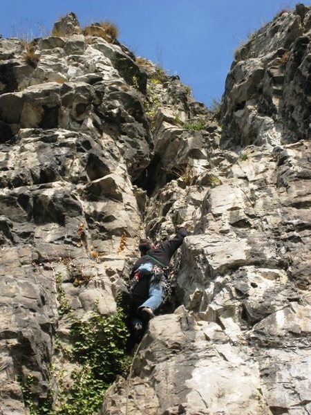 Climbing the fissure after the slight left traverse on La Pierlot
