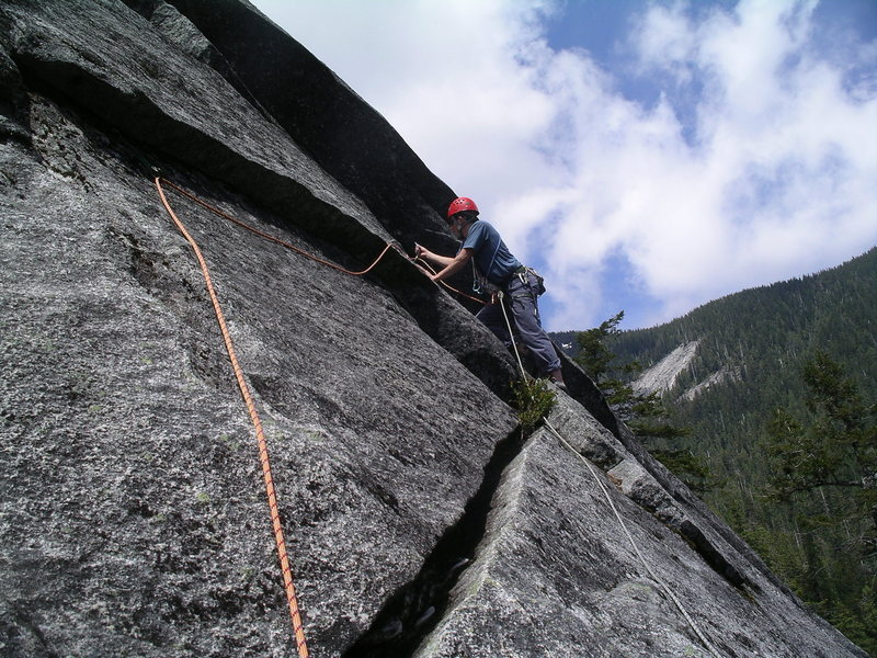 Rock Climbing Photo: The traverse at the end of pitch 2