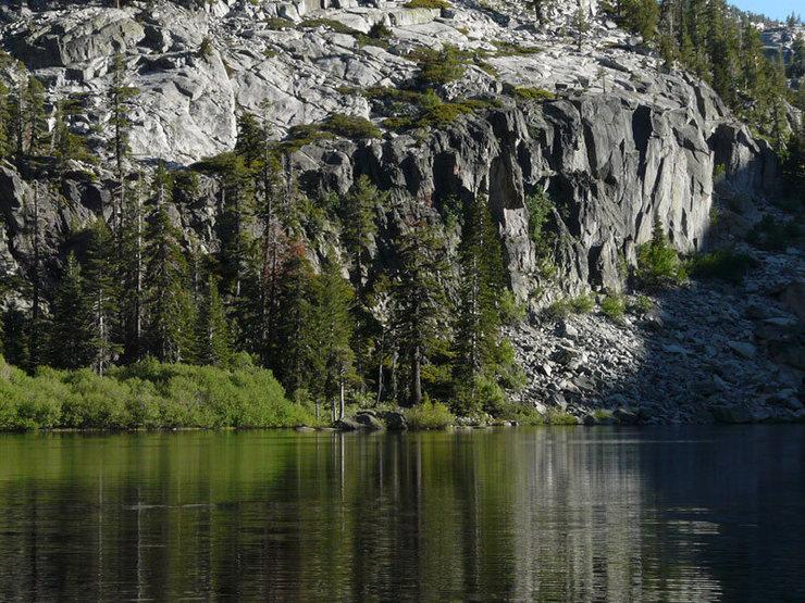 Rock Climbing Photo: Eagle Lake Cliff and Eagle Lake