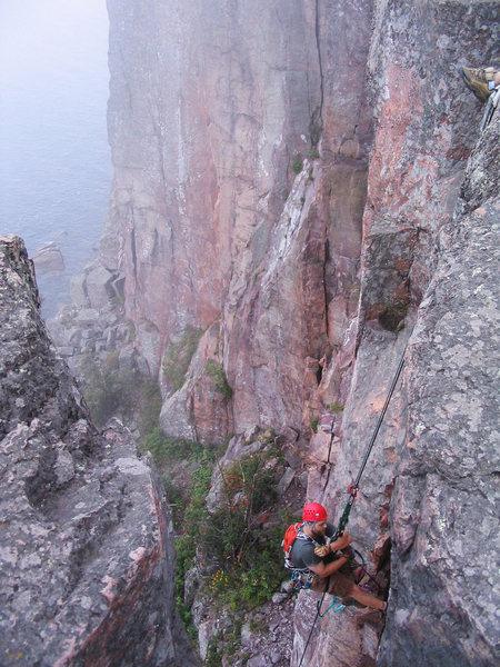 Rock Climbing Photo: Jugging a fixed line at Palisaide Head