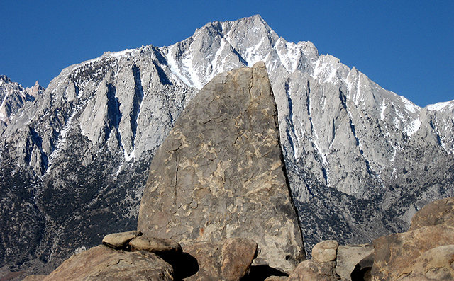 Shark's Fin and Lone Pine Peak.<br> Photo by Blitzo.