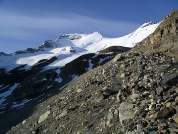 Rock Climbing Photo: North Face of Athabasca on the approach taking the...