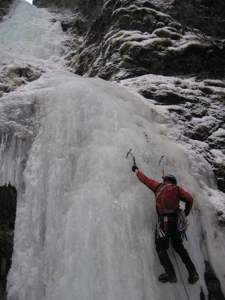 Rock Climbing Photo: Leading Ripple