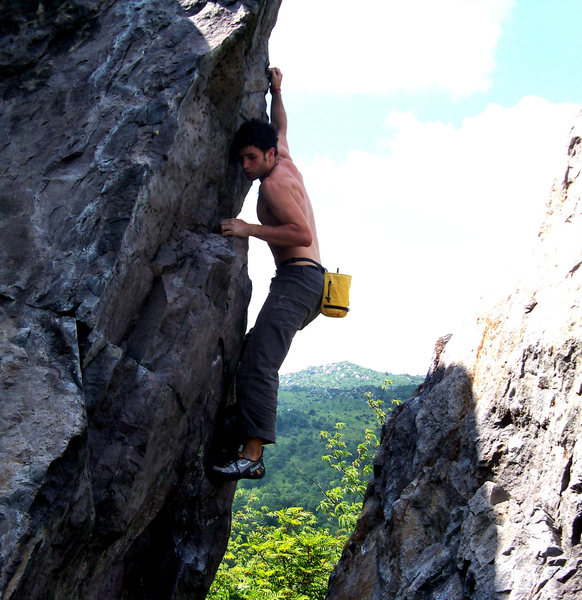 "Aaron Parlier enjoying the ""Highland Highball"" (v2) in the Highlands Bouldering Area, GHSP Va"