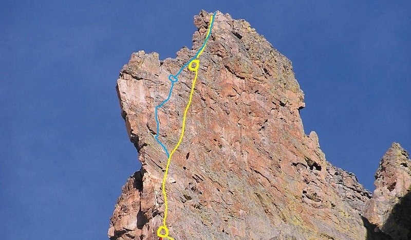 Rock Climbing Photo: 7th  pitch on Petite Grepon in yellow.  Harder var...