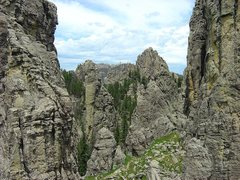 Rock Climbing Photo: The 2-3 gulley from the top of Khayyam spire.  Cli...