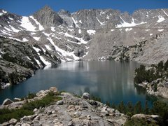 Rock Climbing Photo: Upper Lamarck Lake- the lake is beautiful, and ful...